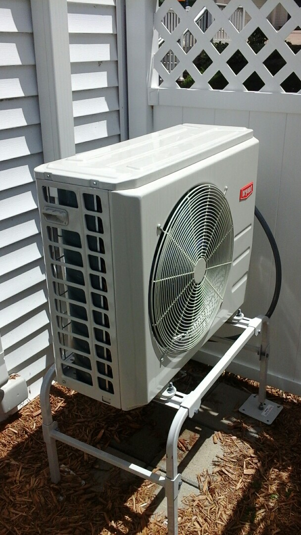 Ceresco, MI - Diagnostics on a high-efficiency Bryant heat pump,  mini Split system.