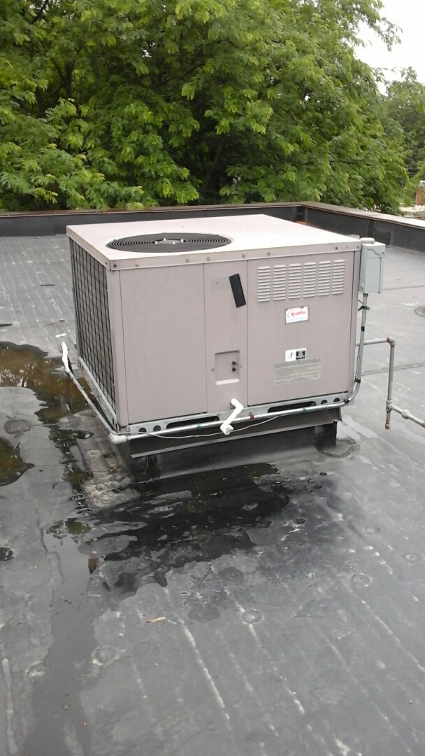 Marshall, MI - Yearly maintenance tune-up on a Carrier rooftop package unit with R - 22 refrigerant charge and a 20 x 25 x 1 fiberglass air filter.