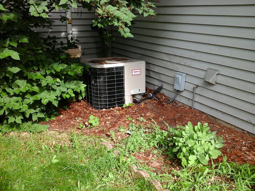 Marshall, MI - Amana air conditioning maintenence tune up