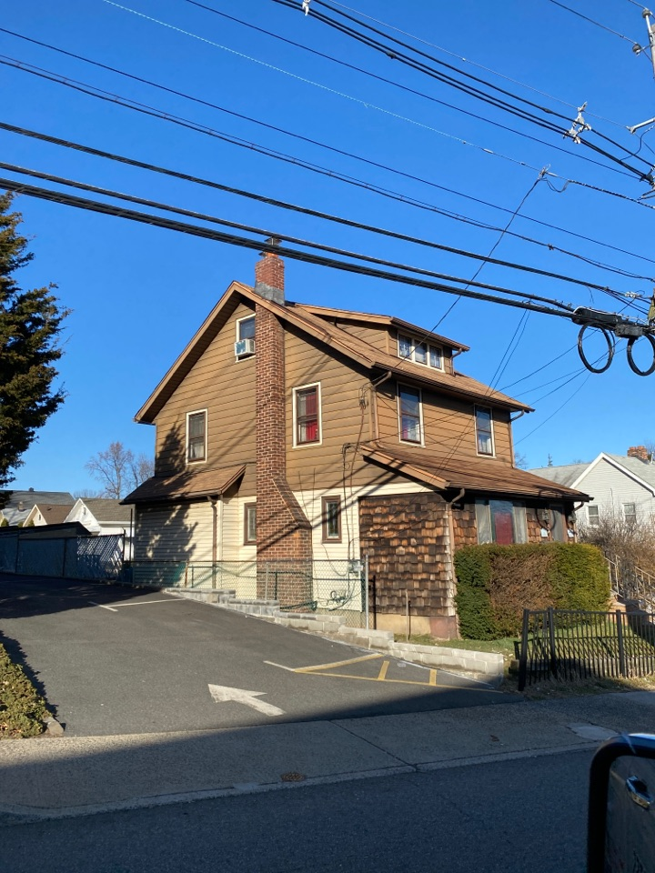 Belleville, NJ - Estimating new Estate vinyl siding from Royal Building Products