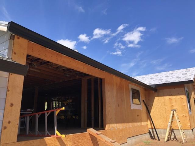 Santa Rosa, CA - Talk about eye-catching; yesterday we installed a gutter color we don't see too often: jet black. This Santa Rosa residence is now protected with 131 feet of striking, seamless gutters. Protection in style!