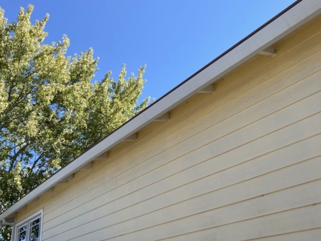Corte Madera, CA - 80 feet of top-quality Gutter Helmet won this Corte Madera residence. Where is the Gutter Helmet? That thin black line above the utters is as noticeable as it gets. No other product offers this level of protection while blending this seamlessly to your home.