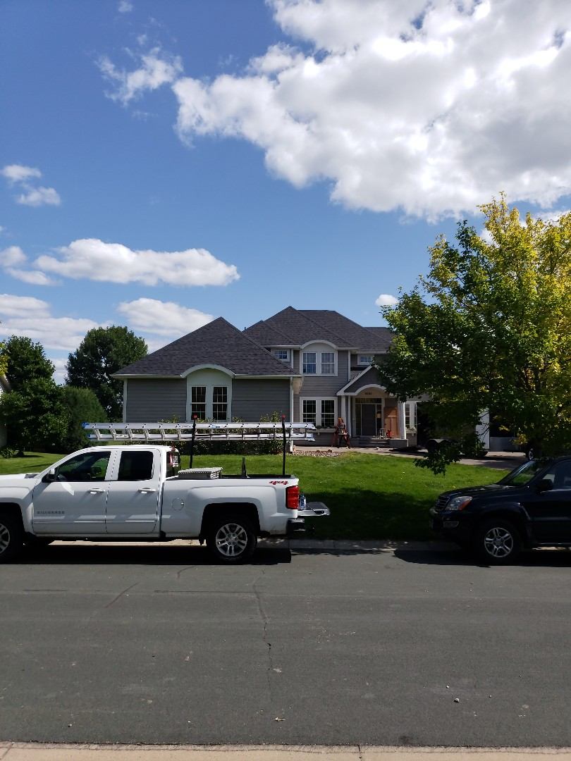 Victoria, MN - Another beautiful new roof by Allstar. We installed Owens Corning Duration in Onyx Black. This product along with expert craftsmanship developed over decades truly brings the home to life.