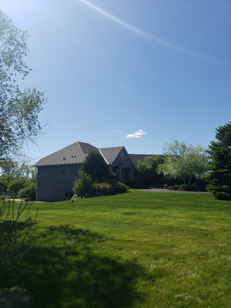 Maple Plain, MN - Beautiful new roof installed in Maple Plain using GAF Timberline in Weathered Wood.
