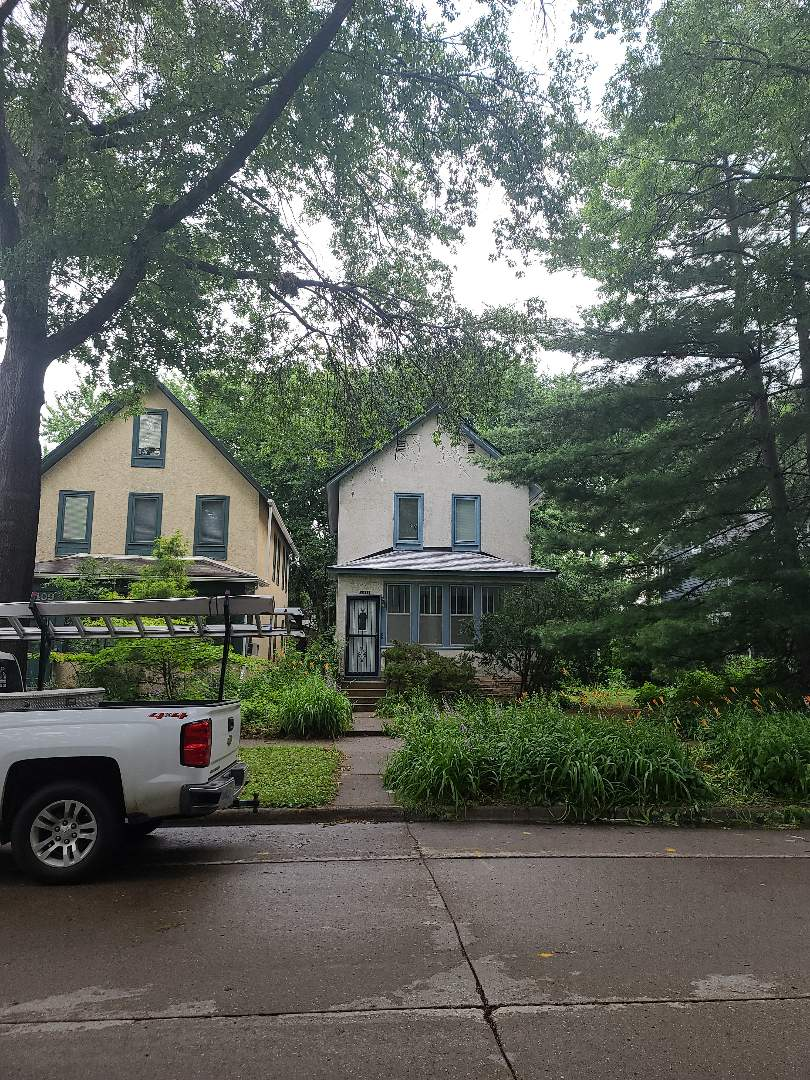 Minneapolis, MN - A new roof installed by Allstar Construction Residential using CertainTeed Landmark in Birchwood. We installed ACM metals in black for new roof to wall systems to eliminate leaks. Beautiful face lift for a classic Minneapolis home.