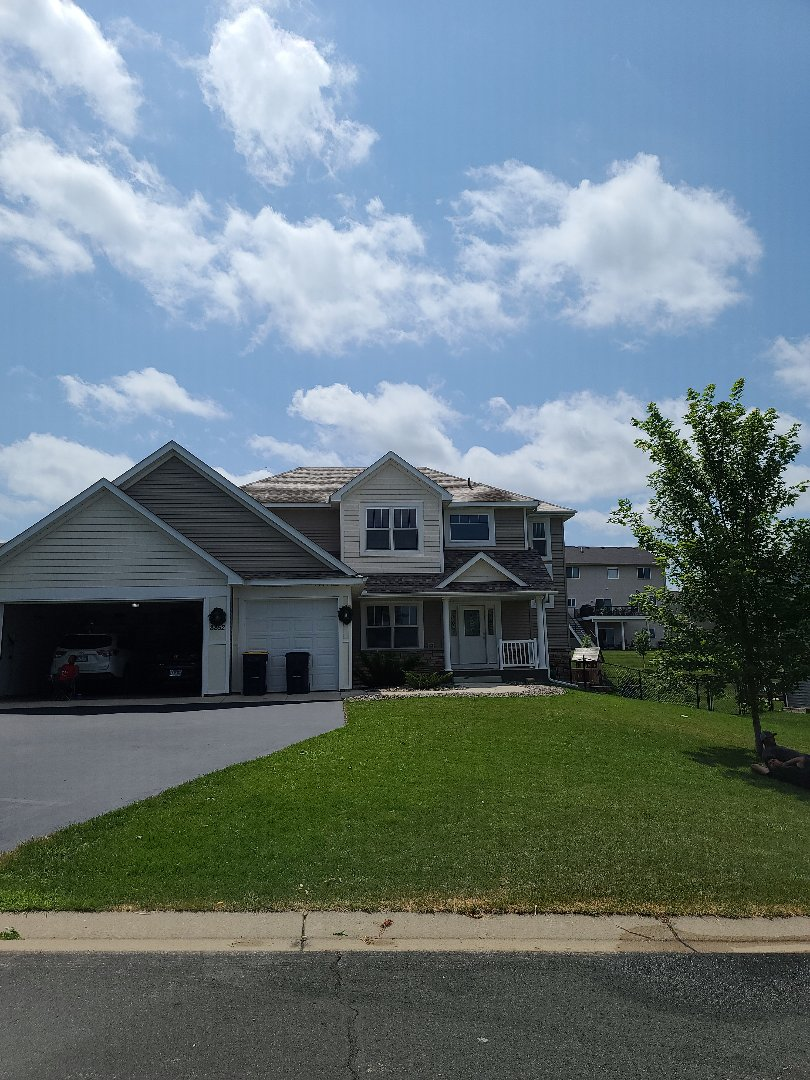 Lakeville, MN - Beautiful new roof installed by Allstar Construction Residential using Owens Corning Duration in Sand Dune. A relatively small project but it really helps the home standout.
