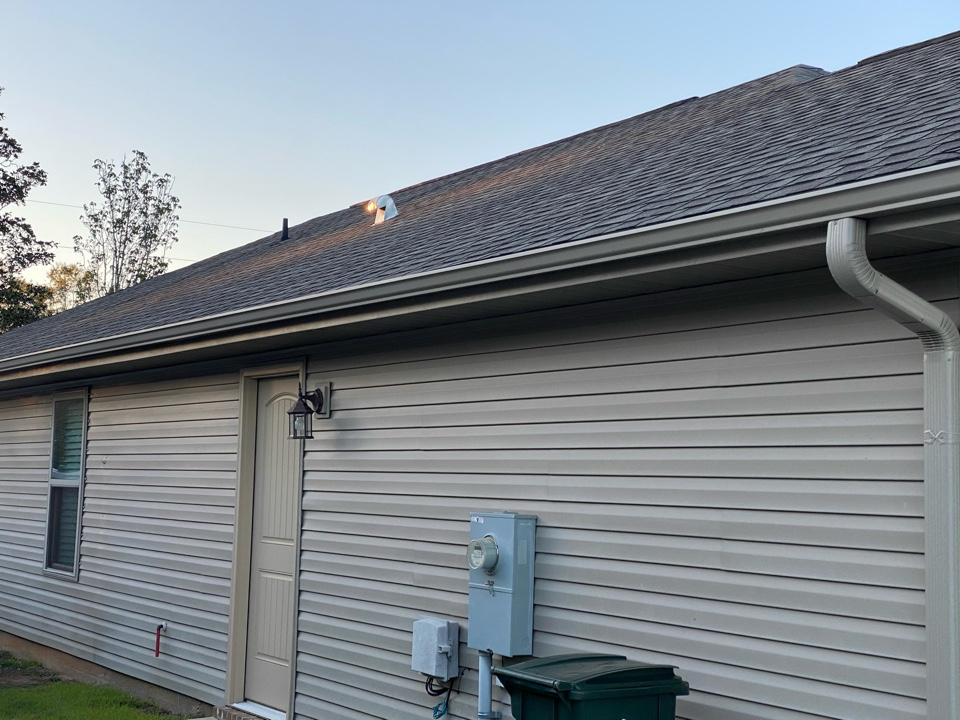 5 inch seamless gutters and downspouts in clay color made by Senox Corp