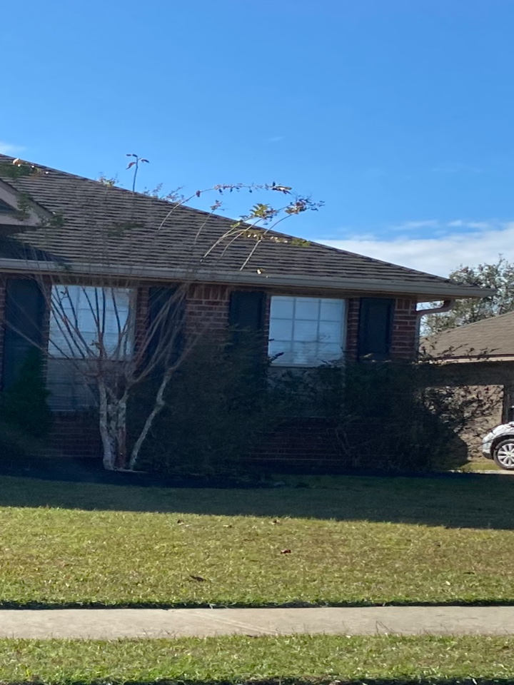 Milton, FL - Installed a 6 inch k style seamless gutter in clay color with downspouts