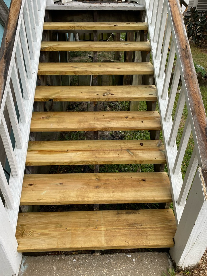 We installed new steps to this deck in fort Morgan Alabama due to storm damages.  Give us a call today for all your Seamless Gutter,  vinyl siding, screen rooms, decks, porches, wood rot and any other home Improvement needs your home may need.