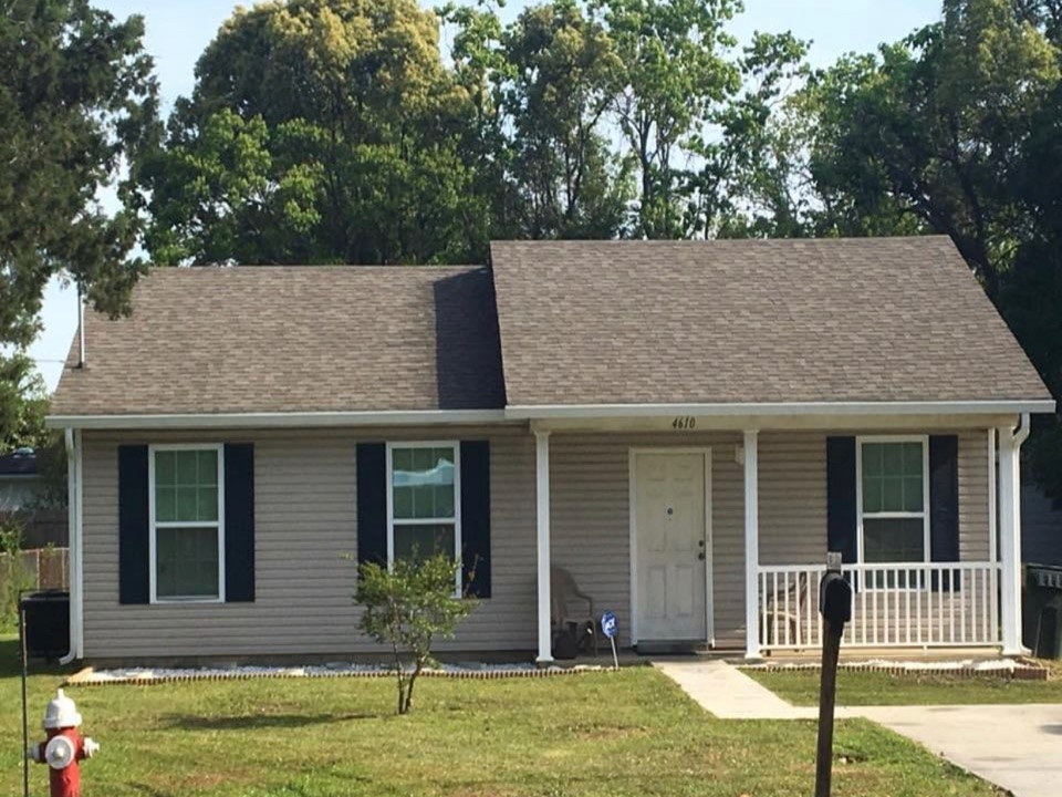 Atmore, AL - Installed 6 inch k style seamless gutters with our leaf filter gutter guard