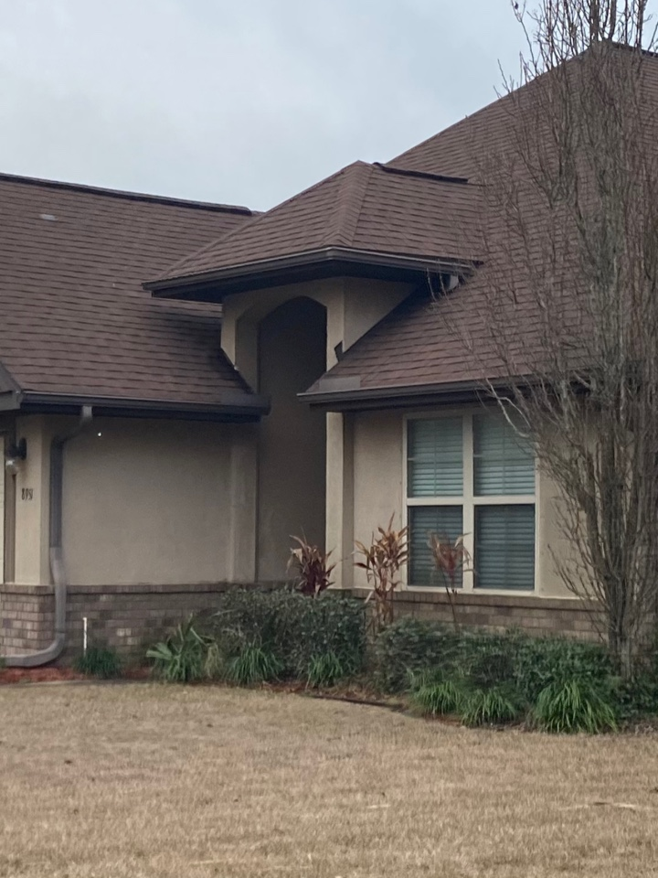 Navarre, FL - Install 6 inch seamless gutter in Musket brown color