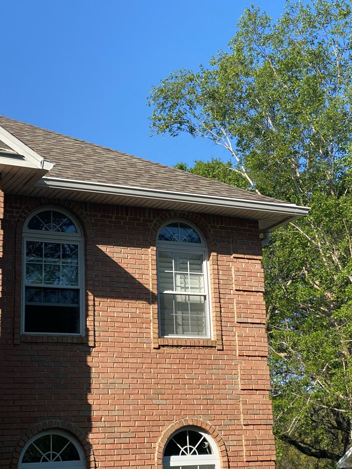 Pensacola, FL - Installed new 6 inch seamless gutters and downspouts on this home in Pensacola Florida