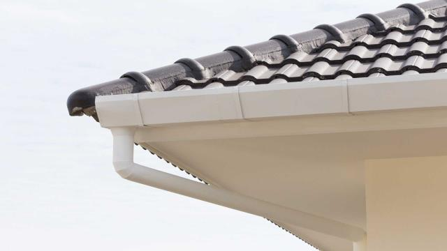 Milton, FL - Seamless Gutters Near Milton:  Many home and business owners choose seamless gutters because they love the clean look this gutter system provides. Seamless gutters add many advantages to your property.  Check This Out: https://seamlessgutterspensacola.com/gutter-installation/