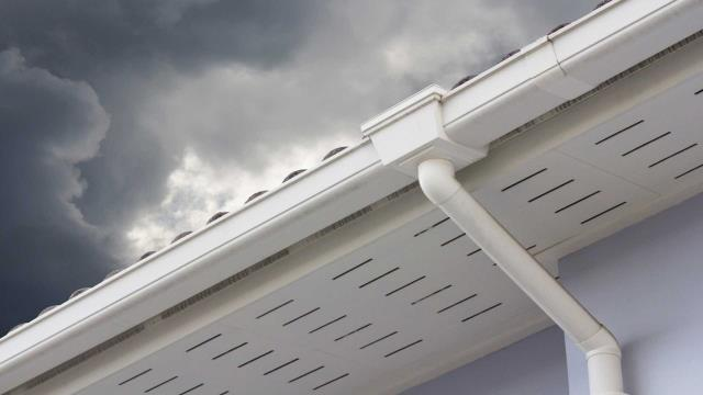 Pensacola, FL - Gutters Repair Near Pensacola FL :  Seamless gutter repair is a highly specialized job that should be performed by the best in the industry.  Learn More :  https://seamlessgutterspensacola.com/
