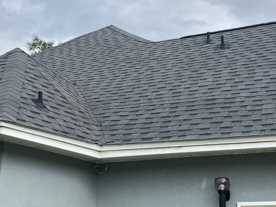 Milton, FL - Got a new roof? Time for new gutters! Call Gutter Solutions today for your free estimate. We want to earn your business!