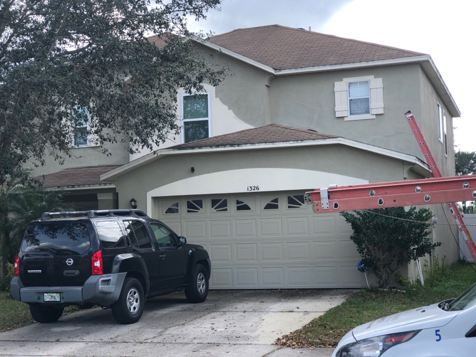 Orlando, FL - We are doing a roofing inspection today for this property, they have 3tab shingles installation, this roof is 15 years old