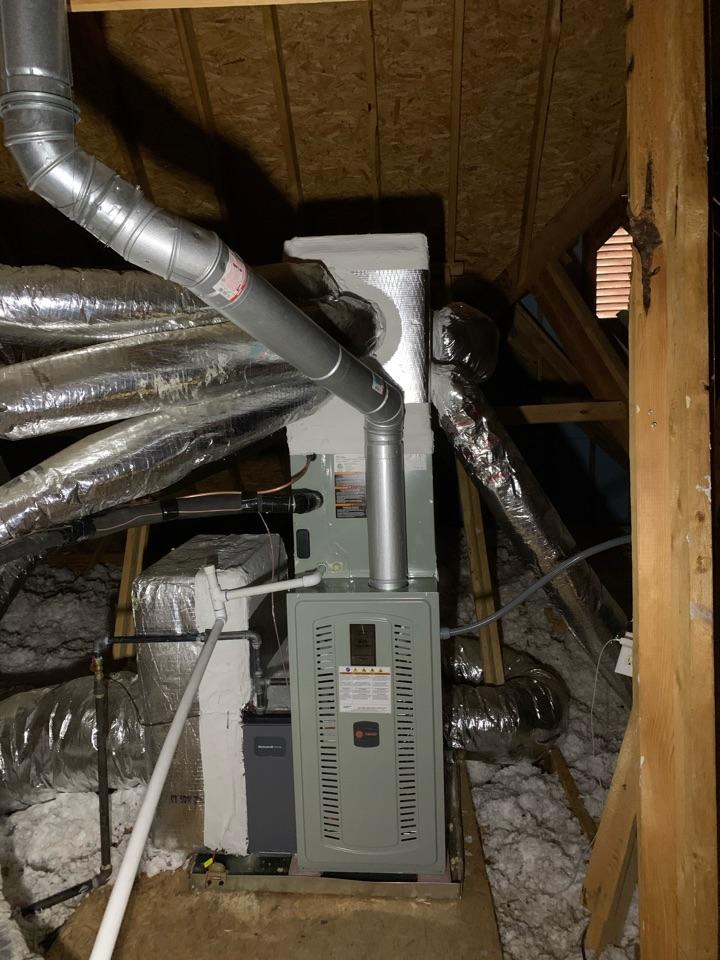 Suwanee, GA - Installed upstairs unit