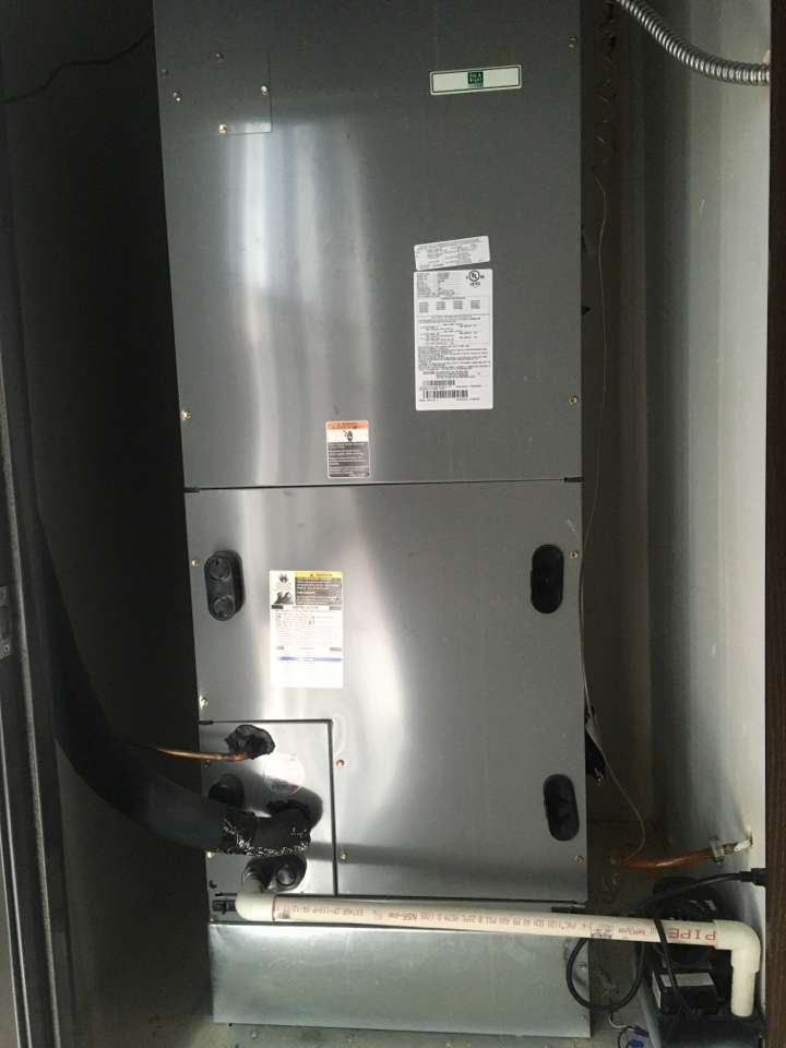 Carrier commercial air conditioning repair.