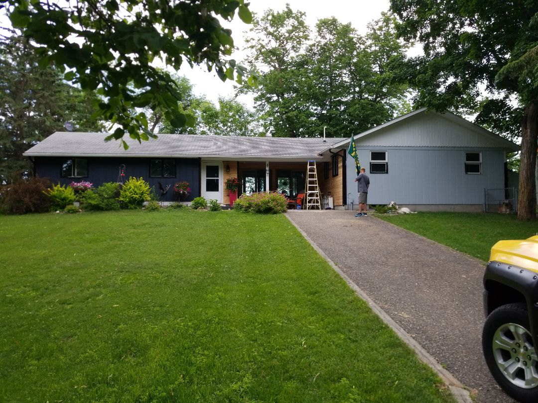 Dent, MN - I am assisting a homeowner with a free estimate for a replacement shingle roof