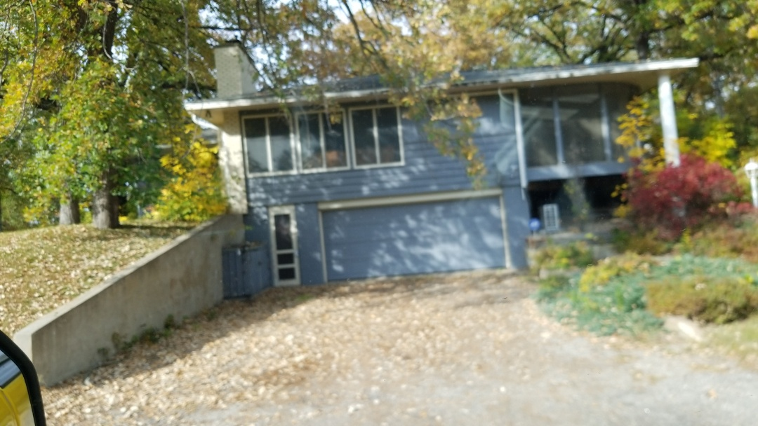 Detroit Lakes, MN - Assisting homeowner with free estimate for vinyl replacement windows