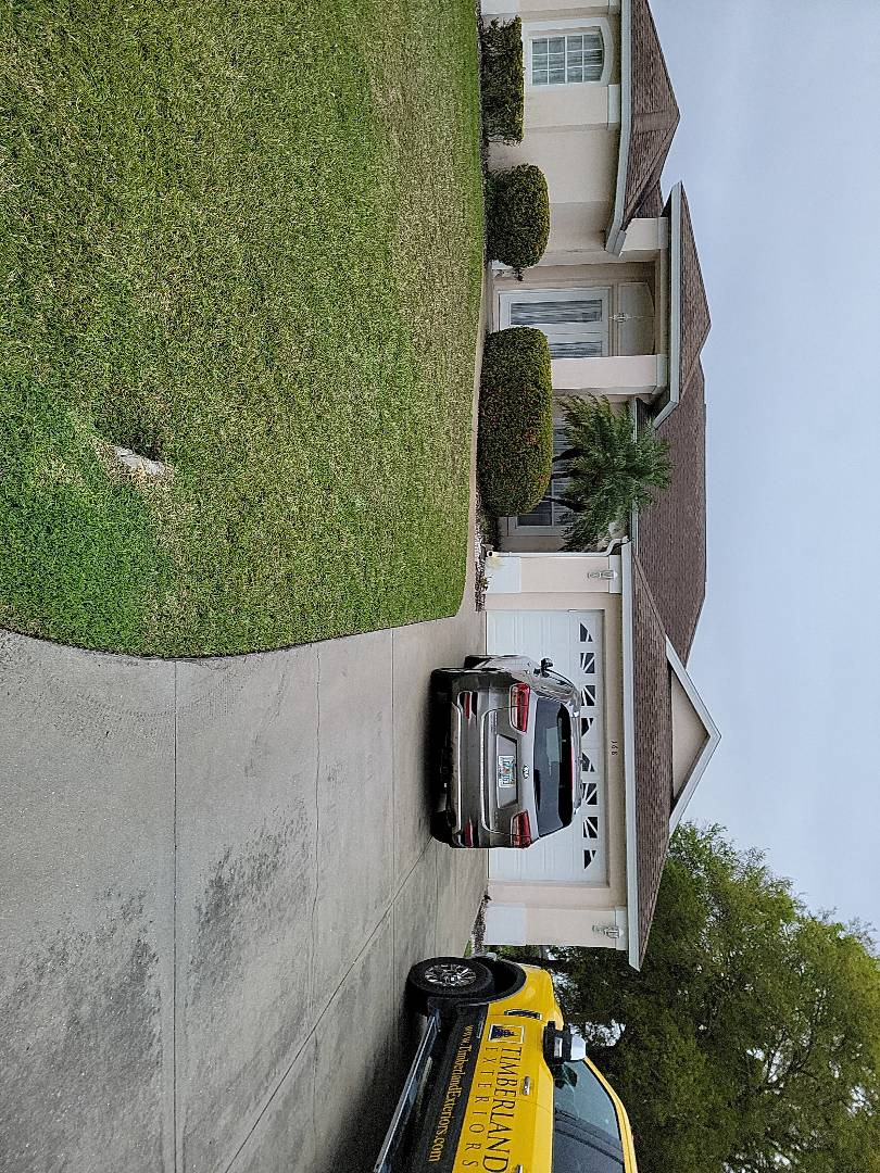 Rotonda West, FL - Assisting homeowner with free estimate for replacement vinyl windows and asphalt shingles