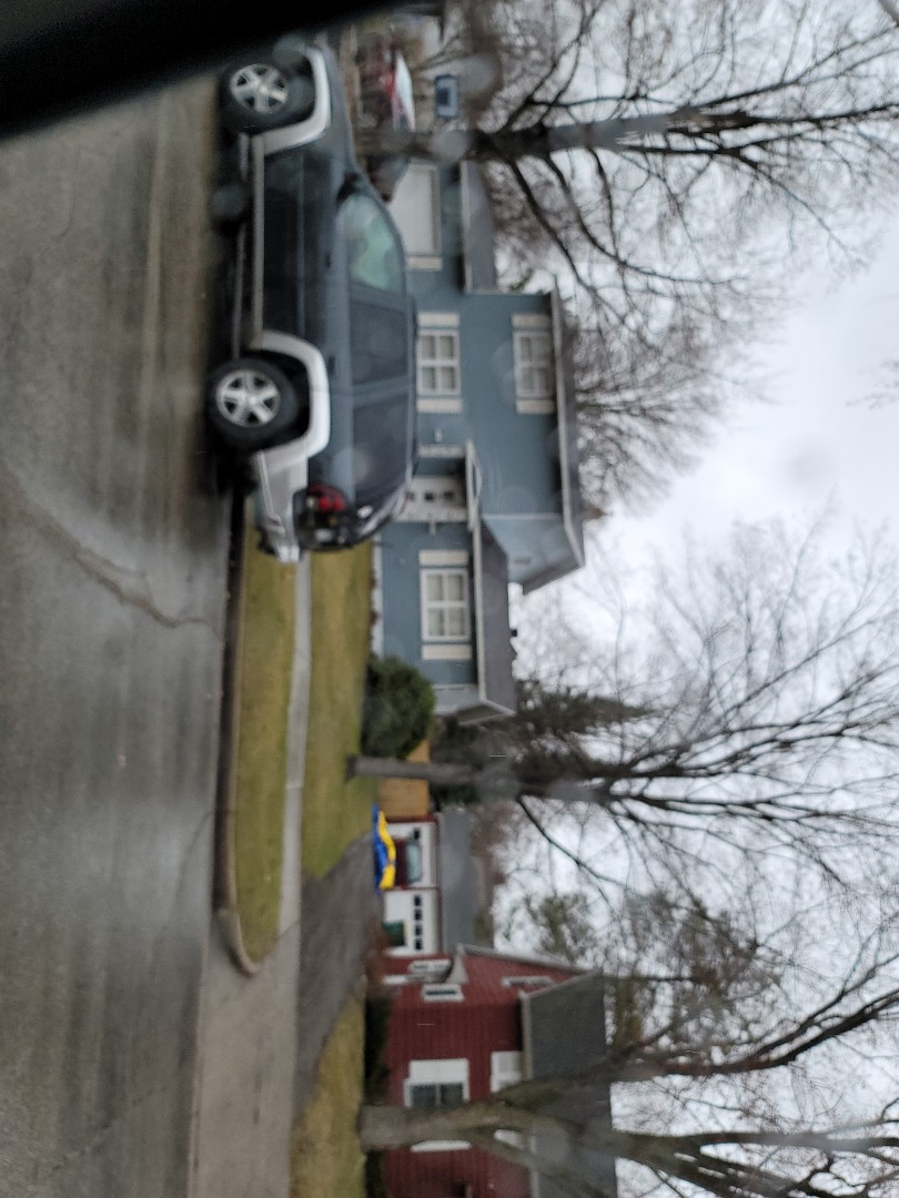 Detroit Lakes, MN - Assisting homeowner with free estimate for shingle roof replacement