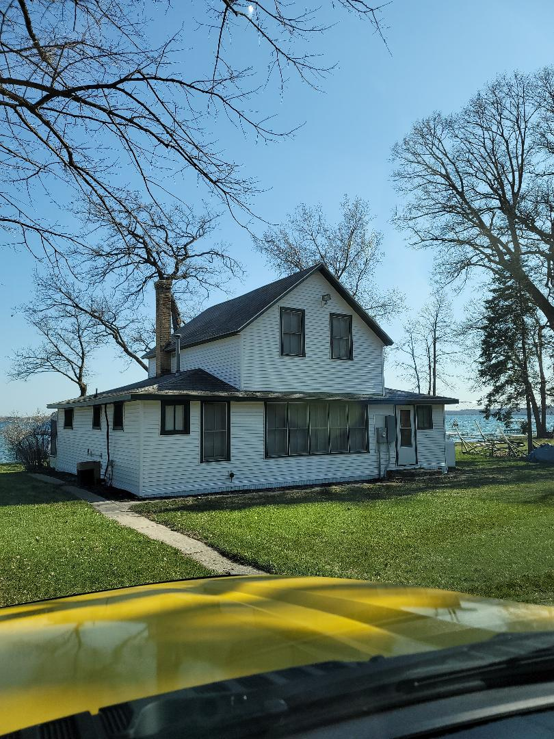 Detroit Lakes, MN - Providing a free estimate for vinyl replacement windows