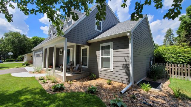 Shoreview, MN - James Hardie Siding, Provia Windows, Owens Corning Roofing