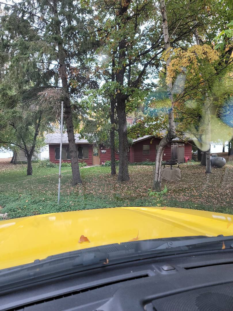 Lake Park, MN - Providing a free estimate for shingle roof replacement