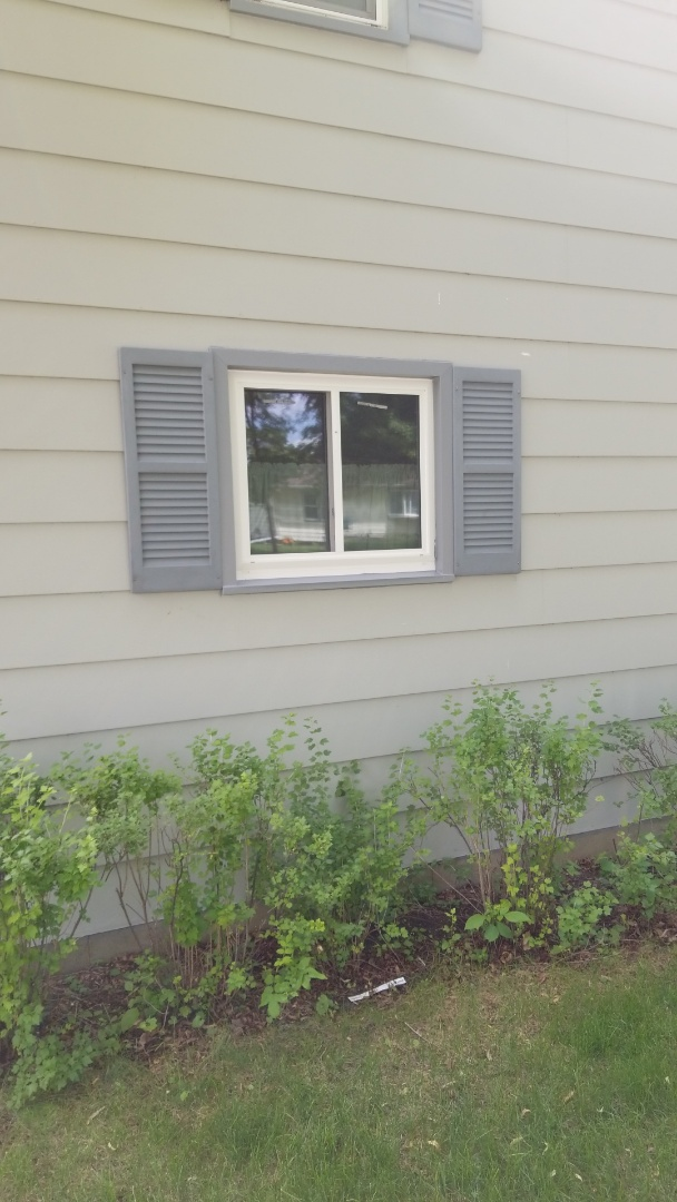 Lake Park, MN - Homeowner is enjoying the  energy efficiency of their new triple pane vinyl windows by Revere. Windows are wrapped in color matched aluminum for years of maintenance free enjoyment.