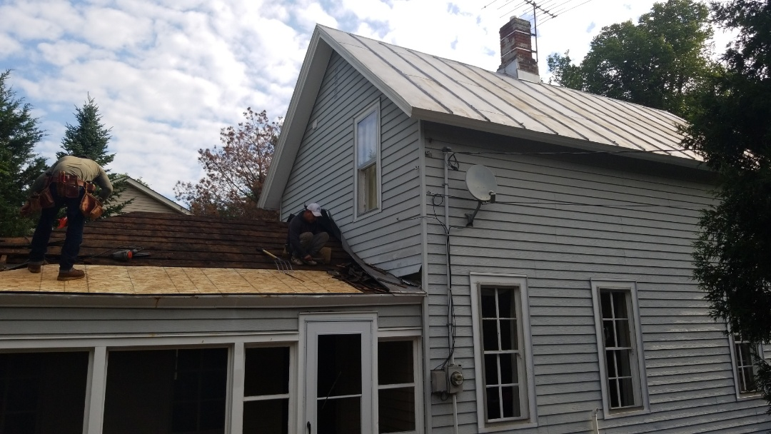 Stillwater, MN - Replacing a 100 year old metal roof with new Owens Corning Duration 50 year warranty singles