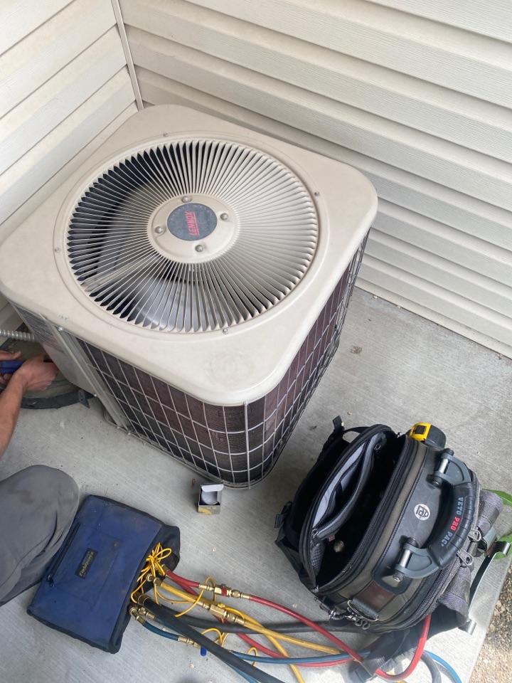 Nampa, ID - Repairing Lennox AC in Nampa