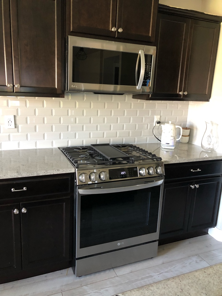 Nampa, ID - Ran gas line and installed a new gas stove for a customer in Nampa.
