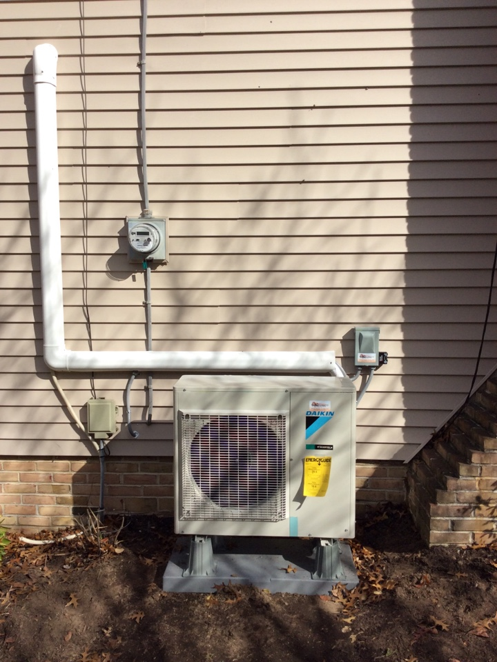 Manheim, PA - Install Daikin mini split system and surge protector for residential client