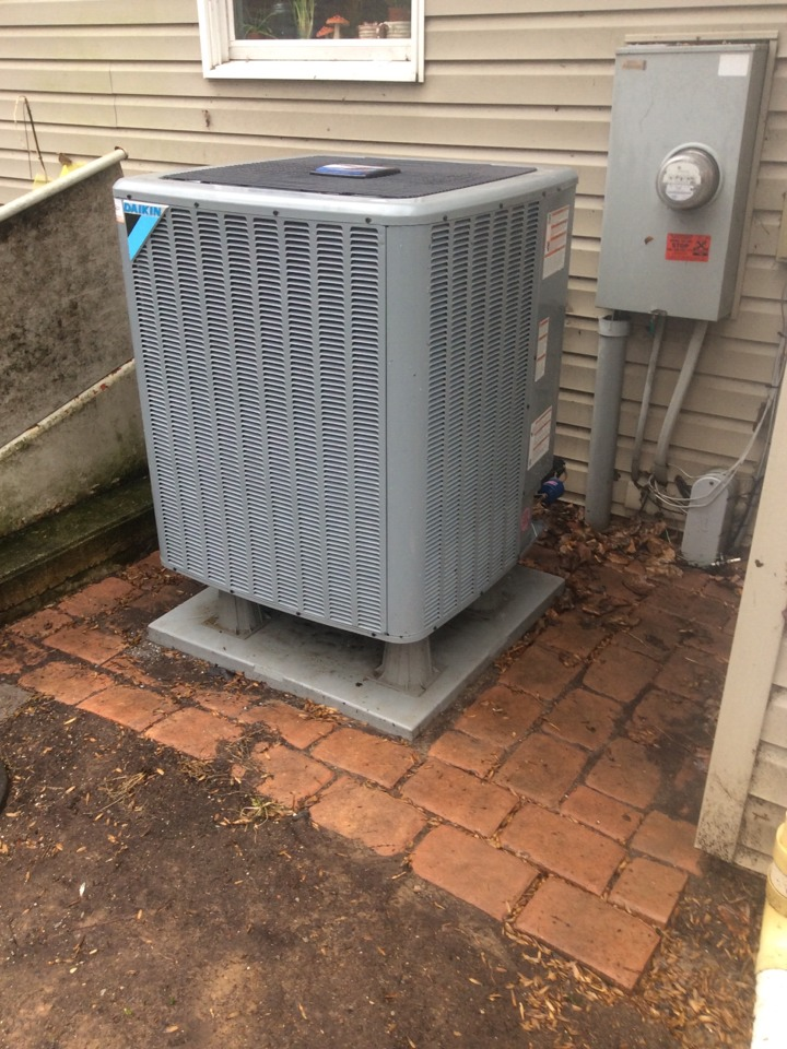 Camp Hill, PA - Daikin heat pump servicing and preventive maintenance