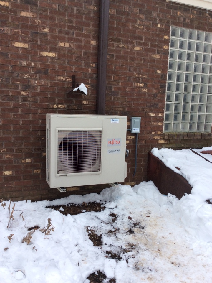 Manheim, PA - Repair Fujitsu mini split heat pump for residential client in Mannheim pa