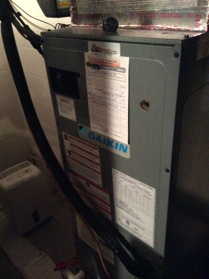 Lititz, PA - Daikin heat pump service and preventive maintenance Litiz pa