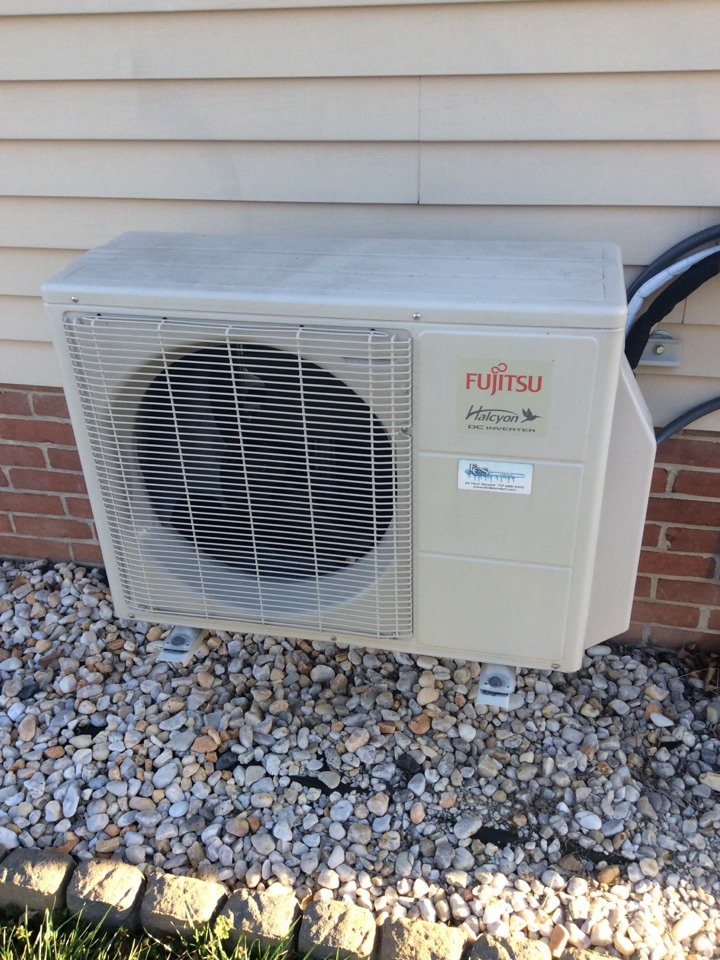 Camp Hill, PA - Service Fujitsu ductless heating and cooling system