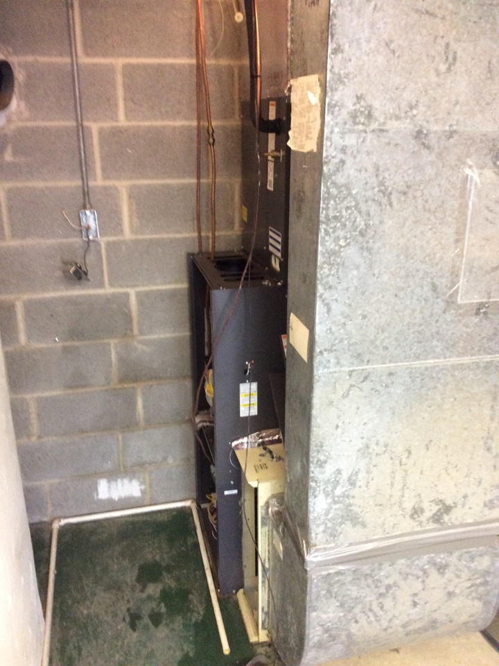 Lititz, PA - Install new Air Temp oil furnace and ECS Select Series air conditioner to replace old Carrier oil furnace and Rheem air conditioner