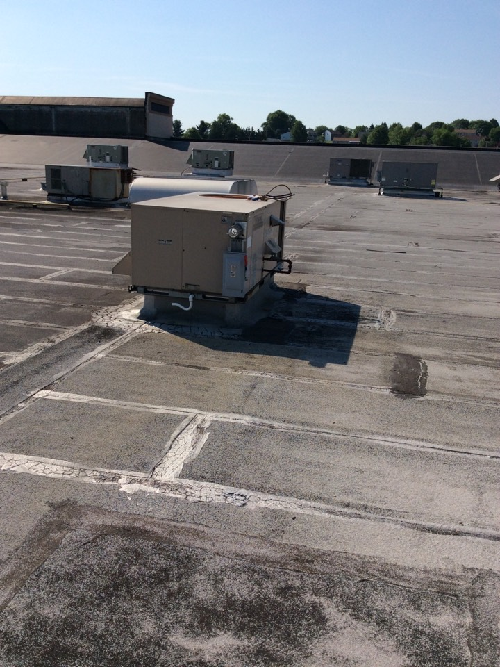 York, PA - Find leak on York roof top air conditioner