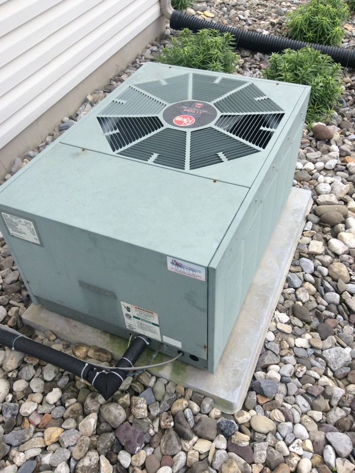 New Cumberland, PA - Air conditioner service and preventive maintenance