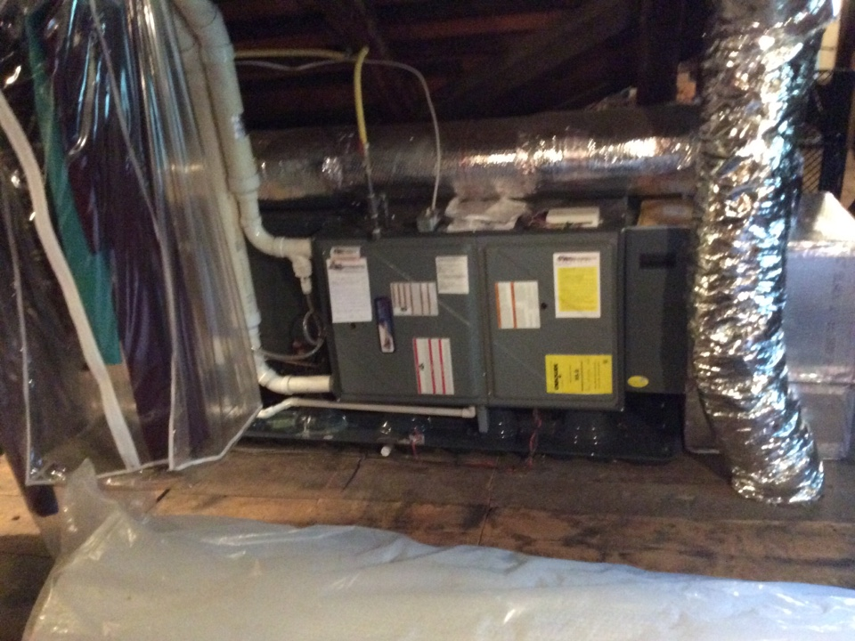 Lancaster, PA - Clean and service Goodman heat pump and gas furnace