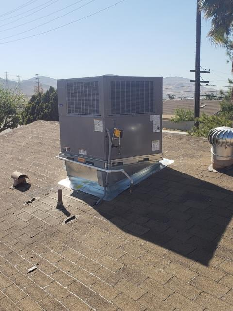 Bloomington, CA - Installed a new Carrier Performance Series 16 SEER roof top package unit for an amazing customer today.