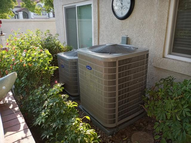 Rancho Cucamonga, CA - Repalced a couple of 30+ year old units with new Carrier 16 SEER Performance Series air conditioners.
