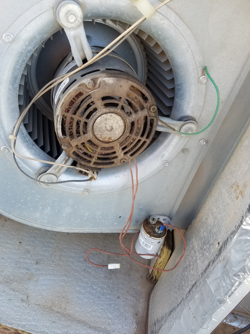 Tempe, AZ - Doing a preventative maintenance tune up on a heat pump system in Tempe Arizona.