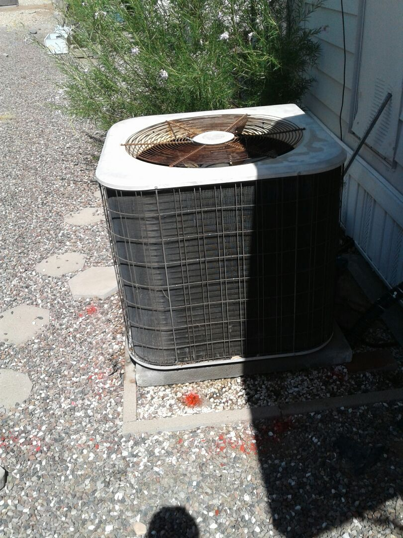 Tempe, AZ - Doing a tune up and an outdoor coil cleaning here in Tempe Arizona