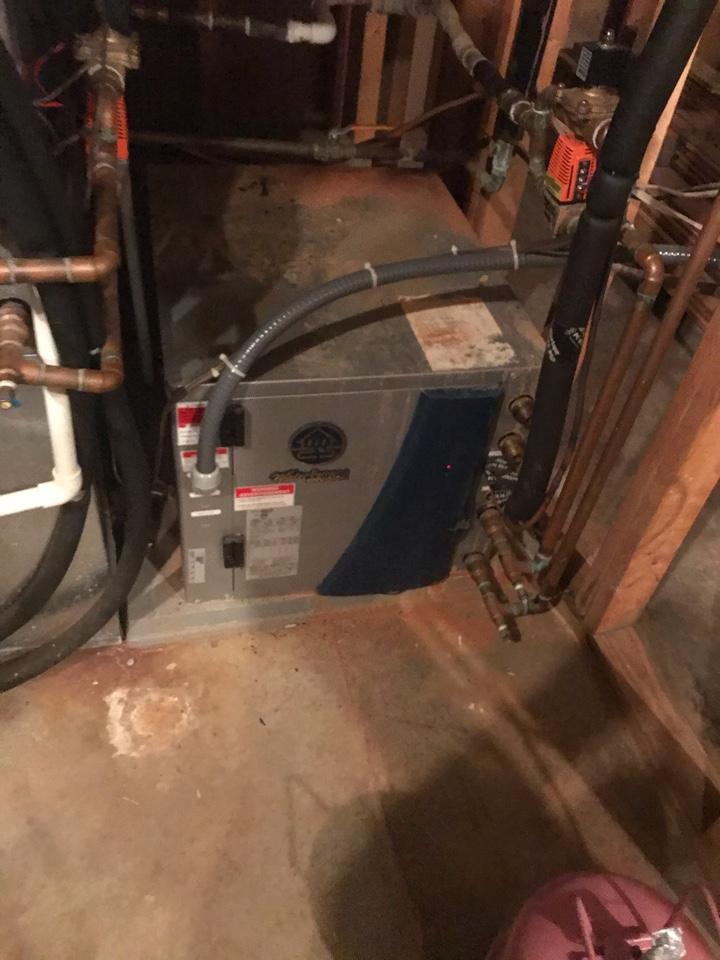 Greencastle, IN - Repairing a Waterfurnace geothermal heat pump air conditioner furnace
