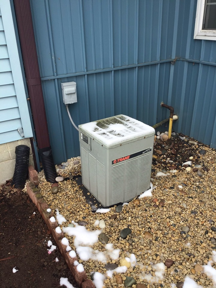 Cloverdale, IN - Estimate on New Installation of American Standard Gas Furnace and Air Conditioner.