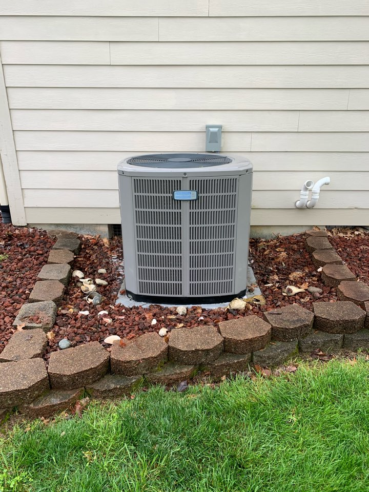 Avon, IN - Annual ac tune up and preventative maintenance on a American Standard ac unit.