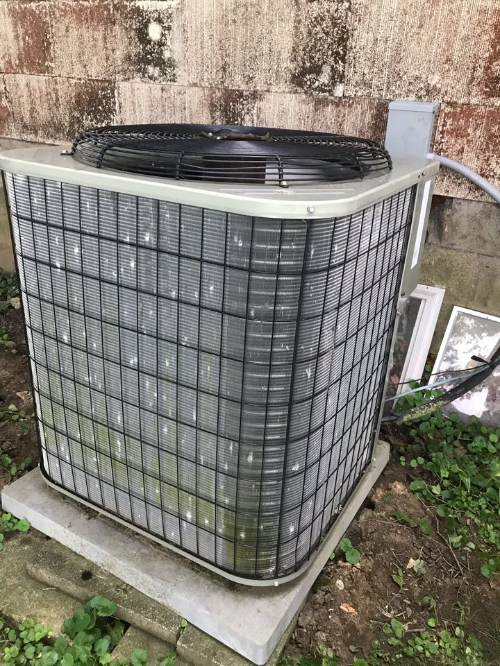 Monrovia, IN - Repairing a Bryant air conditioner